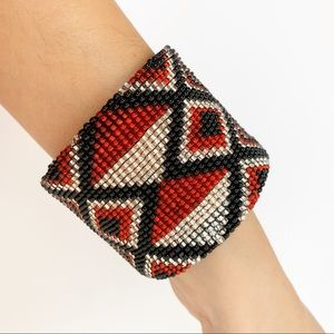 Jewelry - NWT Red, white, and black beaded bracelet